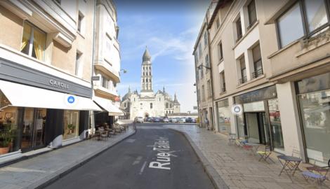 Périgueux - Local commercial de 185 m² - Au pied de la Cathédrale Saint Front