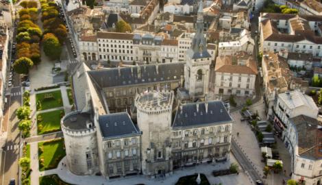 Angoulême Centre-ville  Local commercial de 200 M²